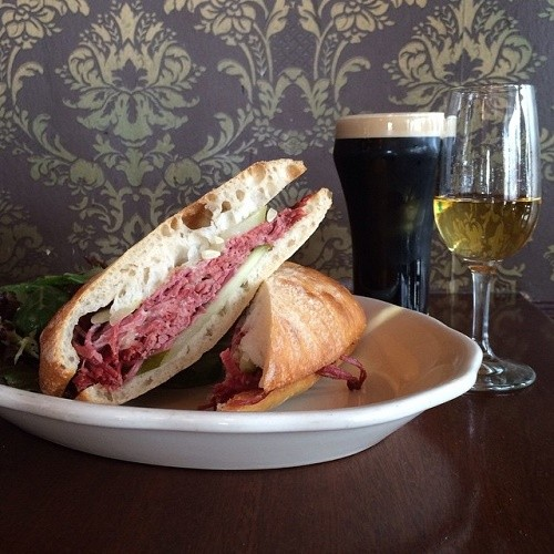 The-Richardson_Corned-Beef-Sandwich_500