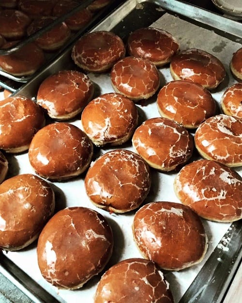 Peter-Pan-Donut-and-Pastry-Shop_Donuts-2_500