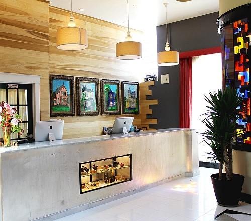 The-Box-House-Hotel_Interior-2_500