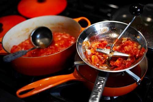 tomato sauce food mill