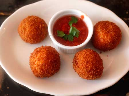 rice balls adelinas greenpoint
