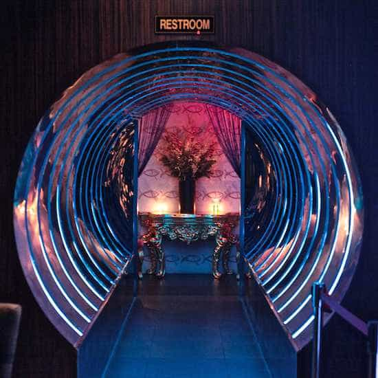 Bathroon_Tunnel