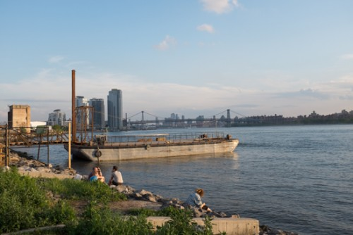 Brooklyn_barge_bar_greenpoint_RdB