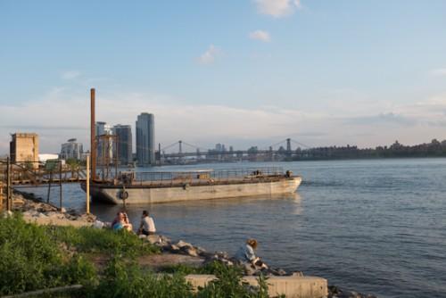 Brooklyn_barge_bar_greenpoint_RdB