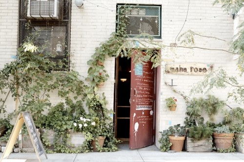 Maha Rose on Green Street - Photo © T. Joseph